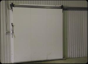Откатная холодильная дверь